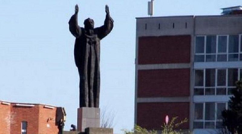 Предколедно блокираха заплатите и стипендиите във Великотърновския университет