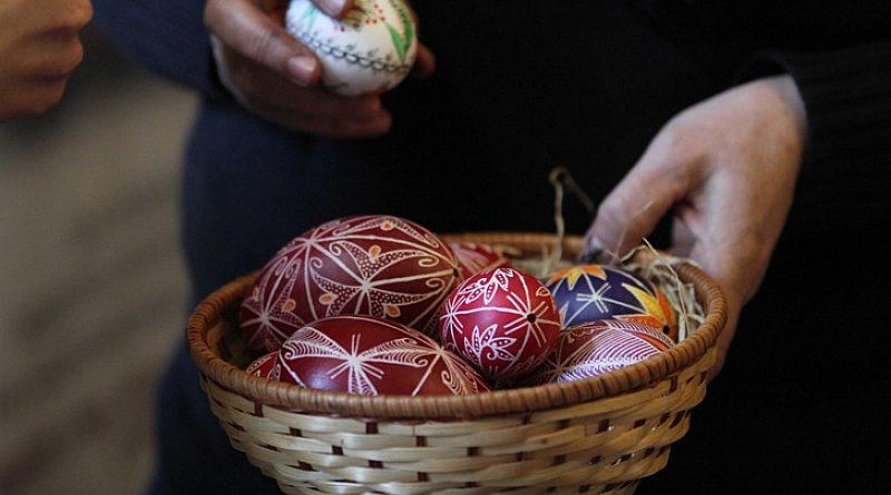 Велики четвъртък – ден за пречистване и боядисване на яйца