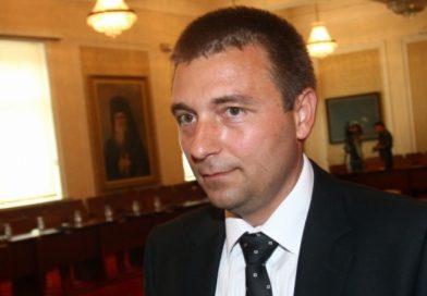 Уговарят човека на Пеевски в ДАНС да поеме КПКОНПИ