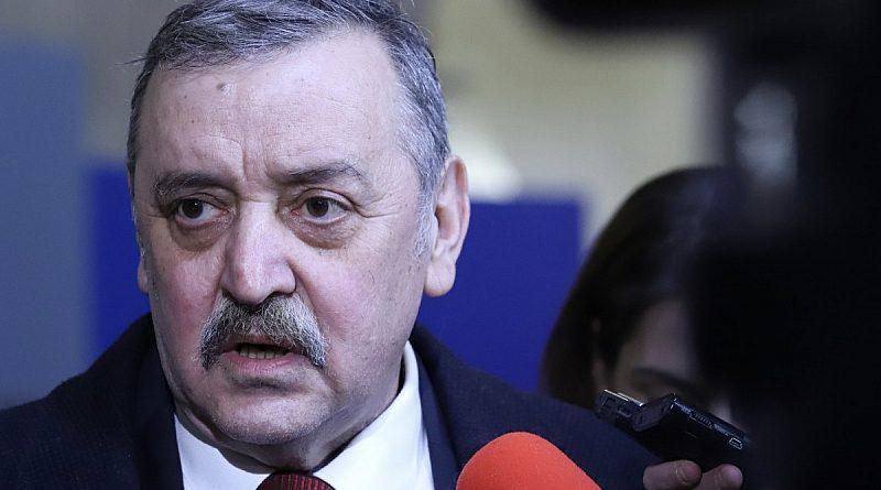 Проф. Кантарджиев: Не смятам, че ще се стигне до затваряне на училища. Маските намаляват броя на заразените